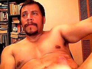 Gay Maduro porn videos at Xecce.com