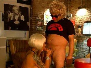 Nudes gina lisa Gina Lisa