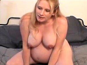 Pregnant Facesitting porn videos at Xecce.com