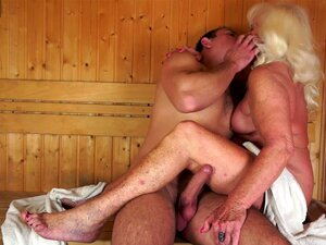In oma sauna nackt Going to