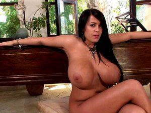 nackt Campbell Leanne Nudity in